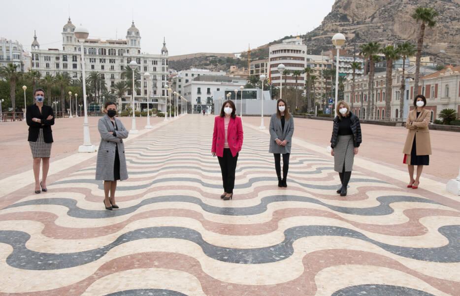 Laura Ortiz, en el Foro Alicante Plaza por el Día de la Mujer